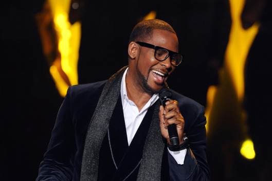Singer R. Kelly performs onstage at FOX's 'The X Factor' Top 3 Live Performance Show on December 21, 2011 in Hollywood, California. THE X FACTOR Finale airs Wed., Dec. 21 and Thurs., Dec. 22 on FOX.