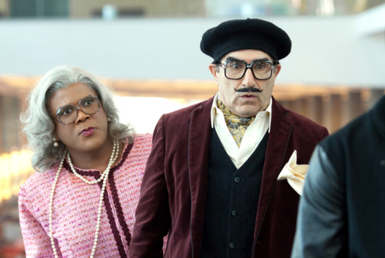 Madea (Tyler Perry) and George Needleman (Eugene Levy) in TYLER PERRY'S MADEA'S WITNESS PROTECTION.
