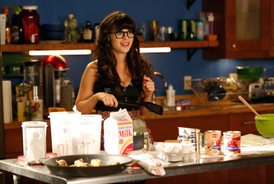 "NEW GIRL:  Jess (Zooey Deschanel) tries to fill her free time after she is laid off from her teaching job in the ""Katie"" season premiere episode of NEW GIRL airing Tuesday, Sept. 25 (9:00-9:30 PM ET/PT) on FOX."