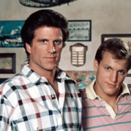 CHEERS, (from left): Ted Danson, Woody Harrelson, (1987), 1982-93. ©Paramount Television / courtesy Everett Collection
