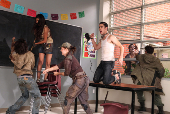 GLEE: Blaine (Darren Criss, on table) performs in the &quot;Makeover&quot; episode of GLEE airing Thursday, Sept. 27 (9:00-10:00 PM ET/PT) on FOX. 