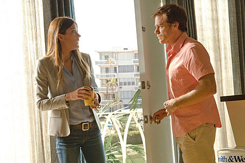 Jennifer Carpenter as Debora Morgan and Michael C. Hall as Dexter Morgan (Season 7, episode 1).