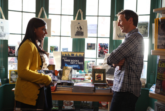 THE MINDY PROJECT:  Mindy (Mindy Kaling, L) meets Matt (guest star Seth Meyers, R) in a bookstore in the &amp;quot;Hiring and Firing&amp;quot; episode of THE MINDY PROJECT airing Tuesday, Oct. 2 (9:30-10:00 PM ET/PT) on FOX. 