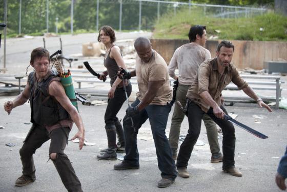 (L-R) Daryl Dixon (Norman Reedus), Maggie Greene (Lauren Cohan), T-Dog (Robert 'IronE' Singleton), Glenn (Steven Yeun) and Rick Grimes (Andrew Lincoln) - The Walking Dead - Season 3, Episode 1