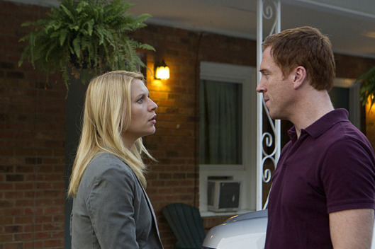 "Claire Danes as Carrie Mathison and Damian Lewis as Nicholas ""Nick"" Brody in Homeland (Season 2, Episode 8). - Photo:  Kent Smith/SHOWTIME - Photo ID:  Homeland_208_0830"