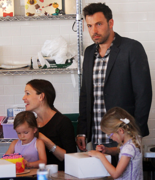 Ben Affleck and Jennifer Garner decorate cakes with their daughters at Duff's Cakemix in West Hollywood, CA.