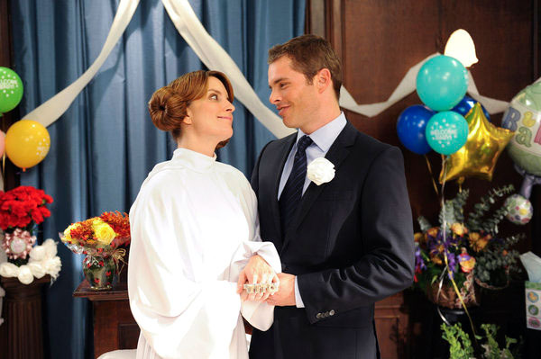 "30 ROCK -- ""Mazel Tov, Dummies!"" Episode 707 -- Pictured: (l-r) Tina Fey as Liz Lemon, James Marsden as Criss"