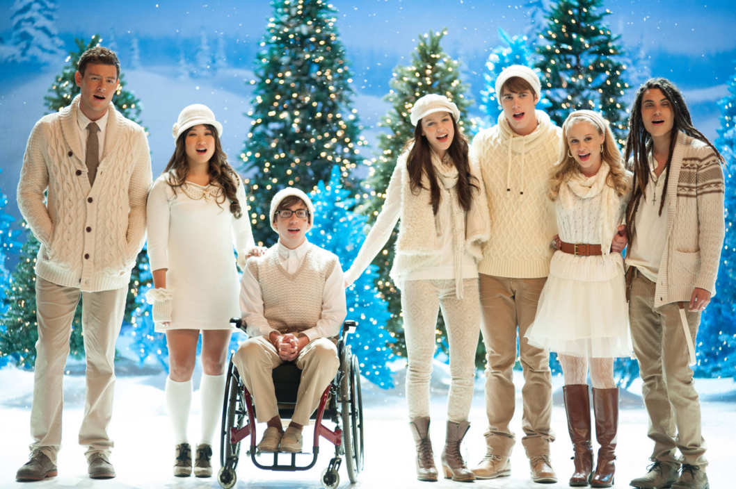 "GLEE: L-R: Finn (Cory Monteith), Tina (Jenna Ushkowitz), Artie (Kevin McHale), Marley (Melissa Benoist), Ryder (Blake Jenner), Kitty (Becca Tobin) and Joe (Samuel Larsen) perform in the ""Glee, Actually"" episode of GLEE airing Thursday, Dec. 13 (9:00-10:00 PM ET/PT)"