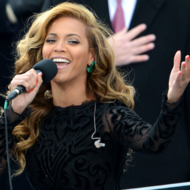 US singer Beyonce performs the National Anthem to conclude the 57th Presidential Inauguration ceremonial swearing-in of US President Barack Obama at the US Capitol on January 21, 2013 in Washington, DC.
