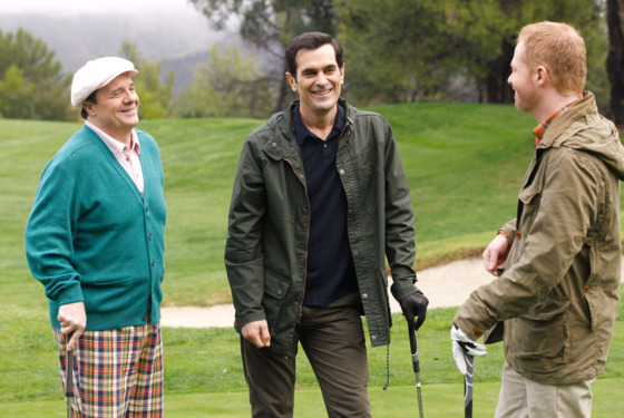 "MODERN FAMILY - ""A Slight at the Opera"" - Cameron is putting on the school production of ""Phantom of the Opera,"" but when their star falls ill, Manny pulls all the stops to land the lead -- even if that means going against Luke. Meanwhile, Jay teaches Phil to golf and they wind up in a golf-off with Pepper and Mitch; Gloria tak"