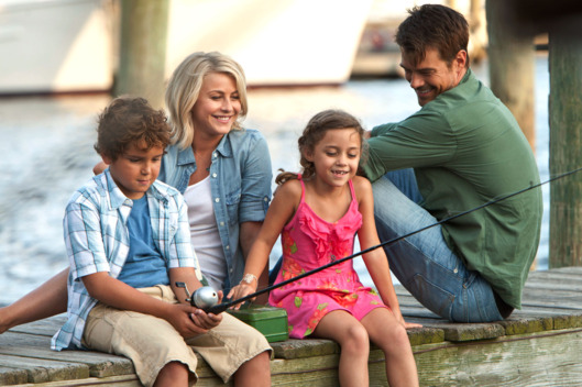 "(Left to Right.) Noah Lomaz,  Julianne Hough, Mimi Kirkland and Josh Duhamel star in Relativity Media's ""Safe Haven."""