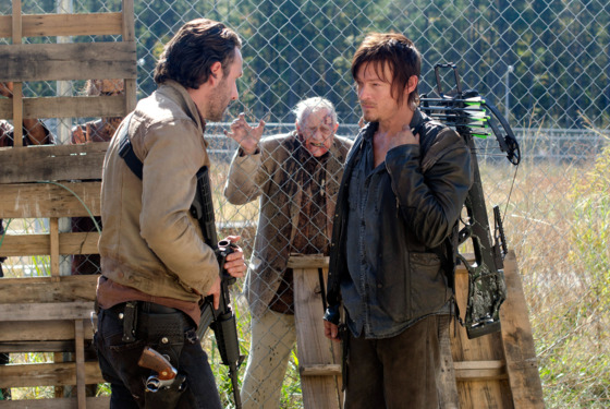 Rick Grimes (Andrew Lincoln), Daryl Dixon (Norman Reedus) and Walkers - The Walking Dead - Season 3, Episode 15