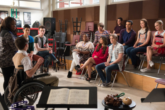 GLEE: The glee club reunites