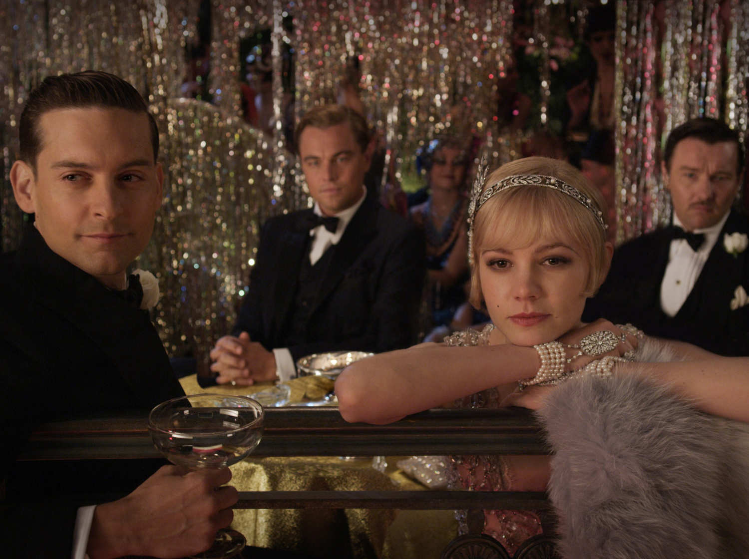 The Great Gatsby help , PLEASE .?