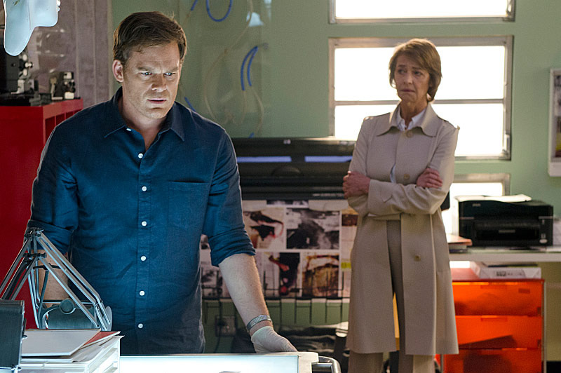 Michael C. Hall as Dexter Morgan and Charlotte Rampling as Dr. Vogel in Dexter (Season 8, episode 9) - Photo: Randy Tepper/Showtime - Photo ID: Dexter_809_1103