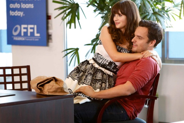 "NEW GIRL:  Jess (Zooey Deschanel, C) helps Nick (Jake Johnson, R) open a bank account in the ""The Box"" episode of NEW GIRL airing Tuesday, Oct. 15 ."