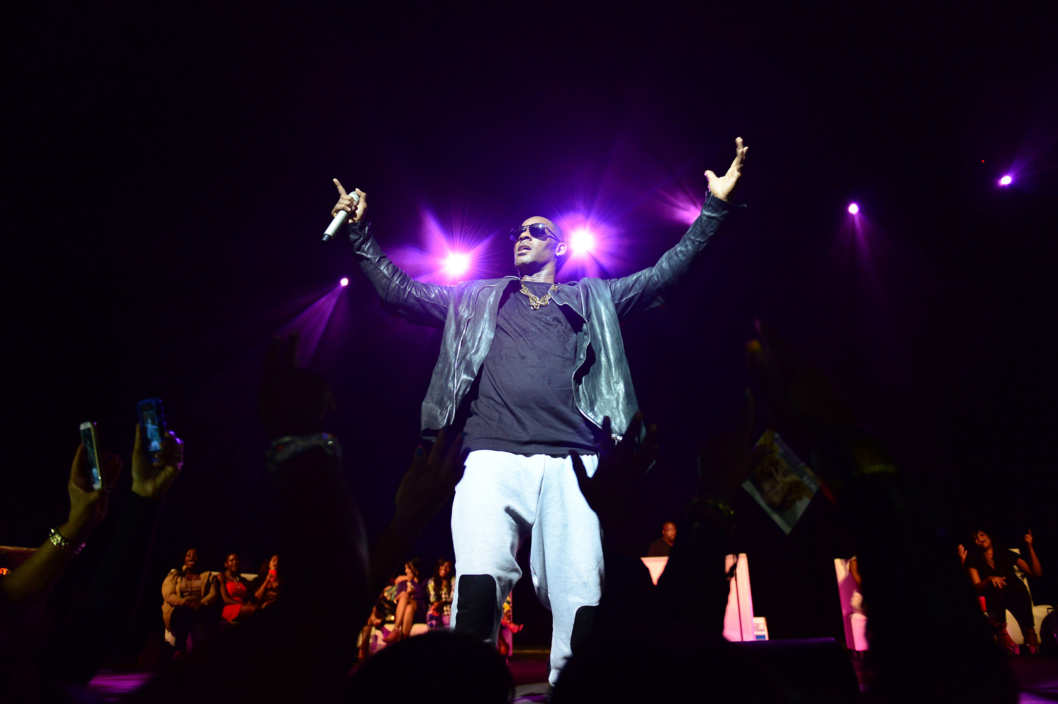 R Kelly performs at James L Knight Center on October 17, 2013 in Miami, Florida.