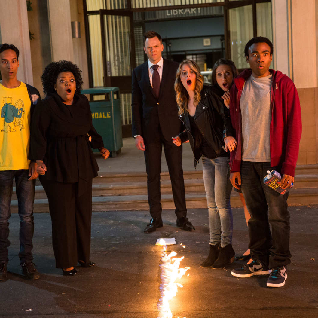 "COMMUNITY -- ""Repilot"" Episode 501 -- Pictured: (l-r) Danny Pudi as Abed, Yvette Nicole Brown as Shirley, Joel McHale as Jeff Winger, Gillian Jacobs as Britta, Alison Brie as Annie, Donald Glover as Troy -- (Photo by: Justin Lubin/NBC)"