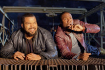 Still of Ice Cube and Kevin Hart in Ride Along (2014).