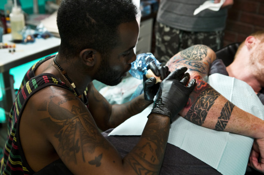 "BEST INK -- ""Fight Club"" Episode 303 -- Pictured: Darnell Waine -- (Photo by: Ben Cohen/Oxygen Media/NBCU Photo Bank)"