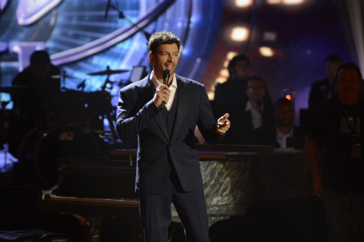 AMERICAN IDOL XIII:  Harry Connick, Jr. peforms on AMERICAN IDOL XIII airing Thursday, March. 13 (9:00-10:00 PM ET / PT) on FOX. CR: Michael Becker / FOX. Copyright 2014 / FOX Broadcasting.