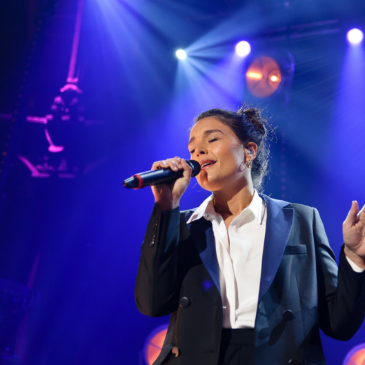 "LONDON, UNITED KINGDOM - MAY 30: Jessie Ware performs ""Leave your lover"" on stage with Sam Smith at The Roundhouse on May 30, 2014 in London, United Kingdom. (Photo by Joseph Okpako/Redferns via Getty Images)"