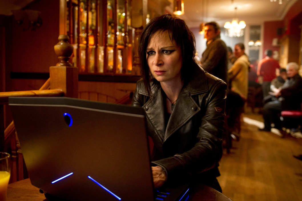 "24:  LIVE ANOTHER DAY:  Chloe (Mary Lynn Rajskub) tracks the drone in the ""7:00 PM - 8:00 PM"" episode of 24: LIVE ANOTHER DAY airing Monday, June 23 (9:00-10:00 PM ET/PT) on FOX."