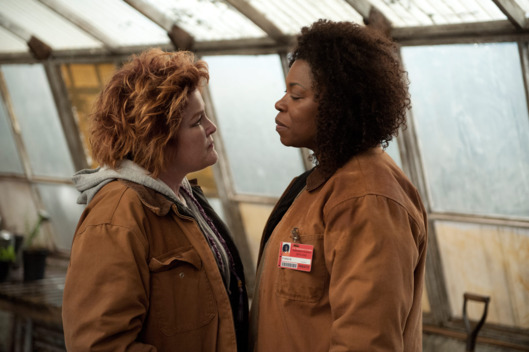 "Kate Mulgrew (L) and Lorraine Toussaint (R) in a scene from Netflix's ""Orange is the New Black"" Season 2. Photo credit: JoJo Whilden for Netflix."