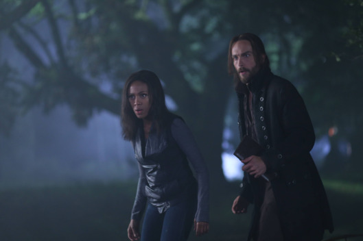"SLEEPY HOLLOW: Ichabod (Tom Mison, R) and Abbie (Nicole Beharie, L) attempt to resurrect a Frankenstein-like monster to help rescue Katrina in the ""The Kindred"" episode of SLEEPY HOLLOW airing Monday, Sept. 29 (9:00-10:00 PM ET/PT) on FOX. ?2014 Fox Broadcasting Co. CR: Fred Norris/FOX"
