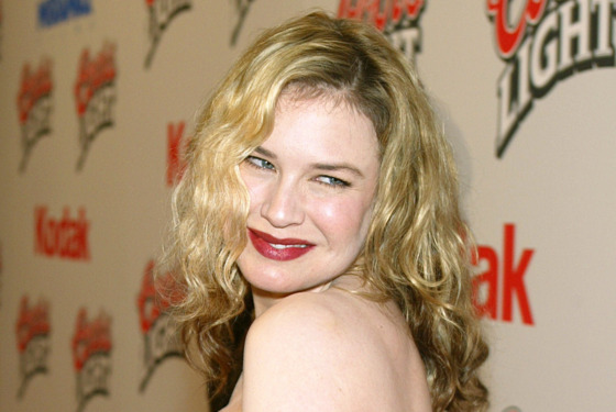 """Actress Renee Zellweger arrives at the premiere of """"Cold Mountain"""" at the Mann National Theater on December 7, 2003 in Los Angeles, California."""