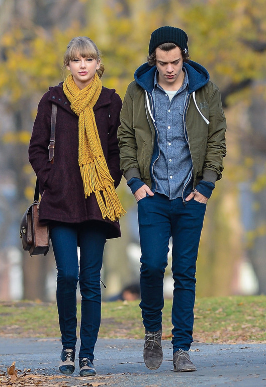 Taylor Swift and Harry Styles are seen walking around Central Park on December 02, 2012 in New York City.