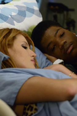 """RED BAND SOCIETY: RED BAND SOCIETY: L-R: Delaney Shaw (Bella Thorne) and Dash  (Astro) in the """"How Did We Get Here?"""" episode of RED BAND SOCIETY airing Wednesday, Nov. 26 (9:00-10:00 PM ET/ PT) on FOX. CR: Guy D'Amica / FOX. © 2014 Fox Broadcasting Co."""