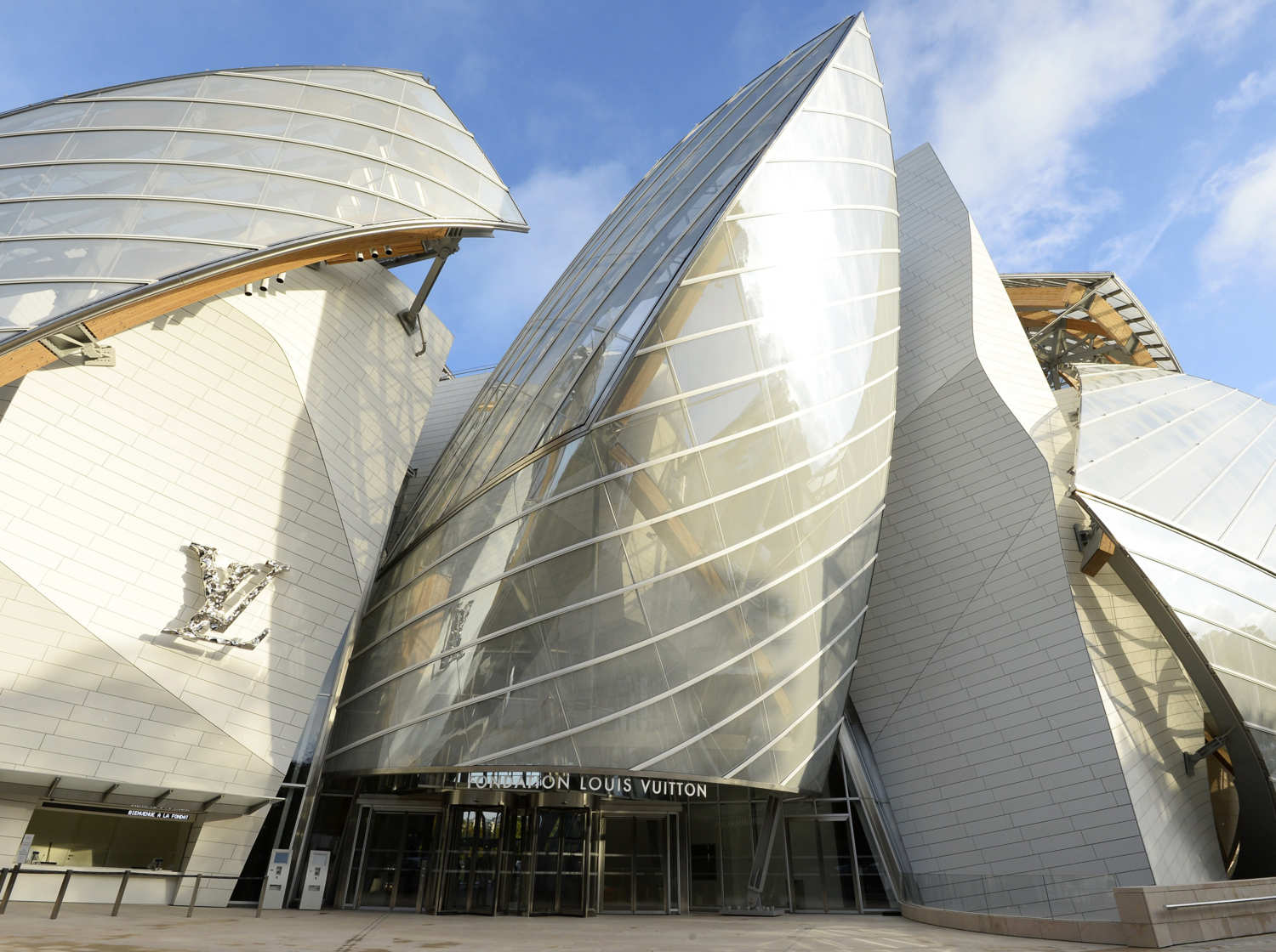 why gehry s new paris building is a masterpiece vulture