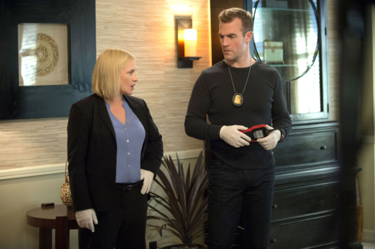 """Family Secrets"" -- Avery confronts the hacker who released her patient\'s information online when she was a psychologist.   Also, Krumitz spots the man who murdered his parents and threatens him, on the season finale of CSI: CYBER.   Photo: Neil Jacobs/CBS  ?'??2015 CBS Broadcasting, Inc. All Rights Reserved"