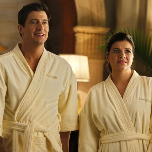 "MARRY ME -- ""Dead Me"" Episode 114 -- Pictured: (l-r) Ken Marino as Jake, Casey Wilson as Annie -- (Photo by: Vivian Zink/NBC)"