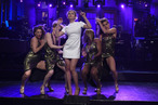 <em>Saturday Night Live</em> Recap: Scarlett Johansson Is Neither Floyd Mayweather Nor Manny Pacquiao