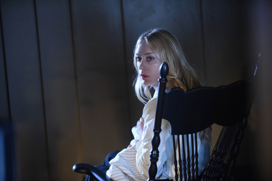"AMERICAN HORROR STORY -- ""Room 33"" Pictured: Chloe Sevigny as Alex Lowe."