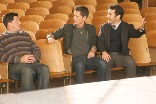 "THE GRINDER:   L-R:  Guest star Michael Showalter, Rob Lowe and Fred Savage in the ""No One Cheers for the Shadow Boys"" episode of THE GRINDER airing Tuesday, Nov. 17 (8:30-9:00 PM ET/PT) on FOX.  ©2015 Fox Broadcasting Co.  Cr:  Patrick McElhenney/FOX"