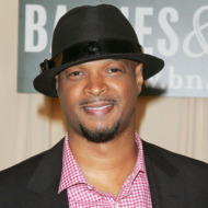 """Damon Wayans Signs Copies Of """"Red Hats"""" - May 5, 2010"""