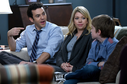 "THE GRINDER: L-R: Fred Savage, Mary Elizabeth Ellis and Connor Kalopsis in the ""The Ties That Grind"" episode of THE GRINDER airing Tuesday, Feb. 16 (9:30-10:00 PM ET/PT) on FOX. ©2016 Fox Broadcasting Co. Cr: Ray Mickshaw/FOX"