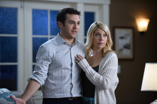 "THE GRINDER:  L-R:  Fred Savage and Mary Elizabeth Ellis in the ""Delusions of Grinder"" episode airing Tuesday, Feb. 23 (9:30-10:00 PM ET/PT) on FOX.  ©2016 Fox Broadcasting Co.  Cr:  Ray Mickshaw/FOX"