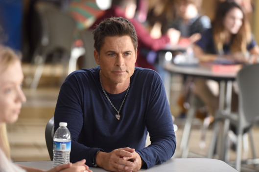 "THE GRINDER: Rob Lowe in the ""Divergence"" episode of THE GRINDER airing Tuesday, April 19 (9:30-10:00 PM ET/PT) on FOX.   ©2016 Fox Broadcasting Co.  Cr:  Ray Mickshaw/FOX"