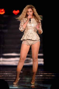 ATLANTIC CITY, NJ - MAY 26: (EXCLUSIVE COVERAGE) Beyonce performs on stage at Ovation Hall at Revel Resort & Casino on May 26, 2012 in Atlantic City, New Jersey.  (Photo by Kevin Mazur/WireImage)