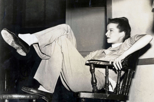 1947, US actress Katherine Hepburn relaxes between scenes of the making of a new Metro-Goldwyn-Mayer film  (Photo by Haynes Archive/Popperfoto/Getty Images)