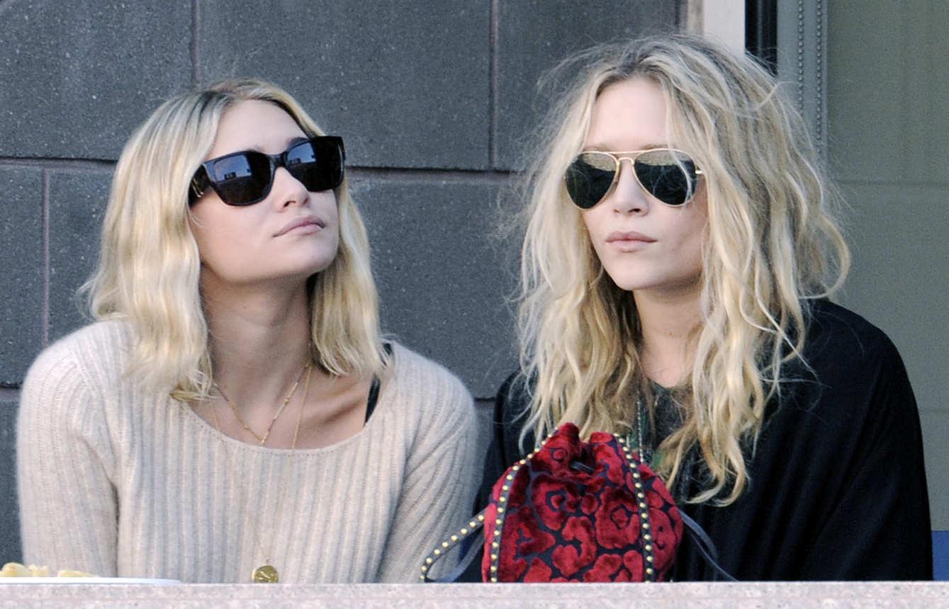 Fuller House Season 3: Olsen Twins Not Invited - TVLine 12