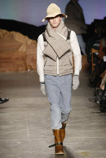 Photo 1 from Band of Outsiders