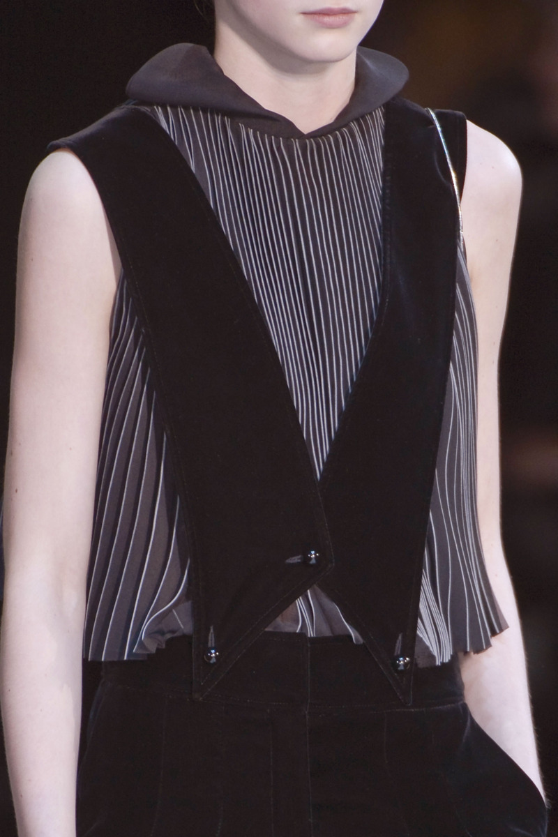 Detail Photo 9 from Giorgio Armani