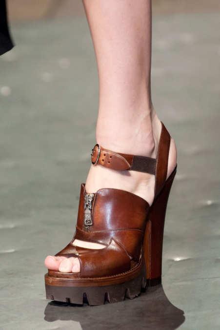 Detail Photo 1 from Prada