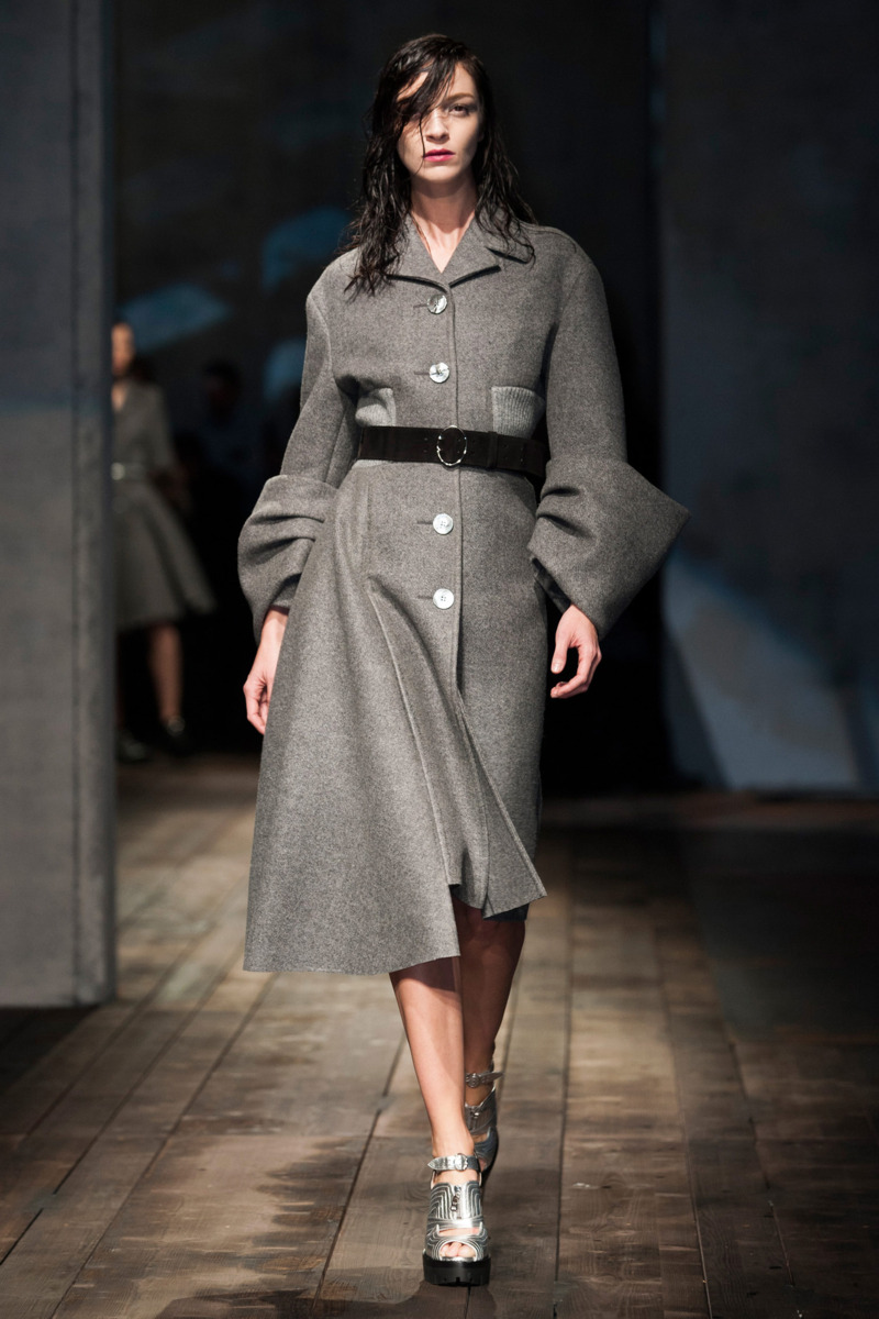 Photo 3 from Prada