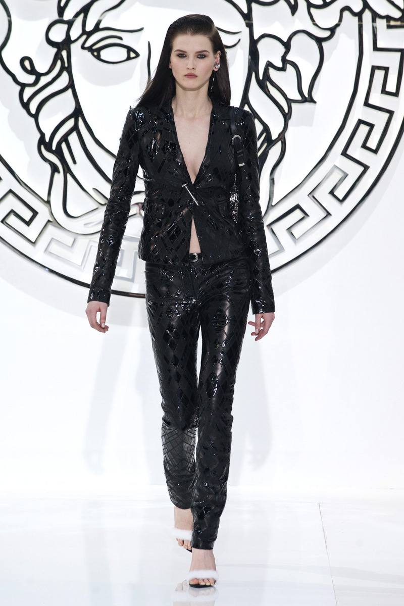 Photo 4 from Versace